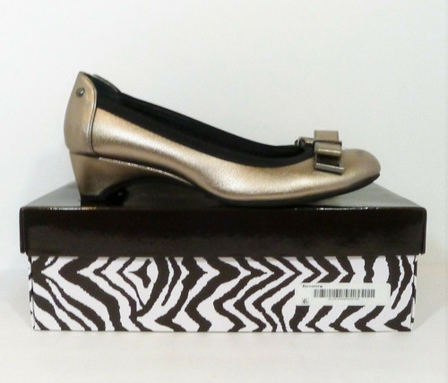 Dana Buchman Pewter Darcy Slip On Round Toe Bow Shoes Women's Pumps Size 8.5 M