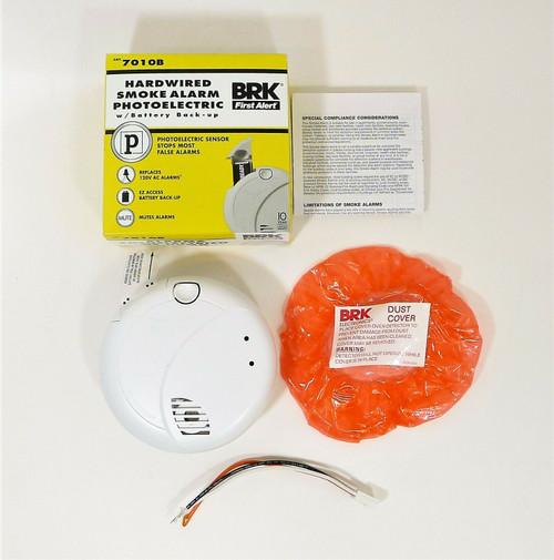 BRK First Alert 7010B 120-Volt Photoelectric Sensor Smoke Detector - OPEN BOX