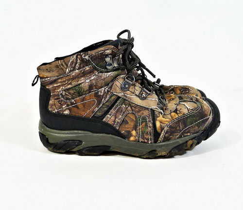 Realtree Xtra Boy's Camo Hunting Hiking High Top Shoes Size 4-HEAVY DIRT ON SOLE