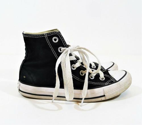 Converse Unisex Black Chuck Taylor Hi Top Shoes Size Men's 3.5 Women's 5.5