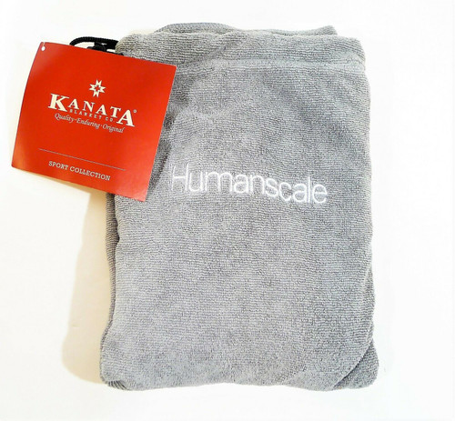 """Kanata Blanket Sport Collection Microfiber Towel in a Bag 20"""" x 25"""" NEW"""