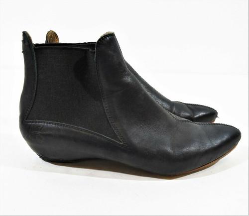 John Fluevog Women's Black Leather Ankle Boots Size 6