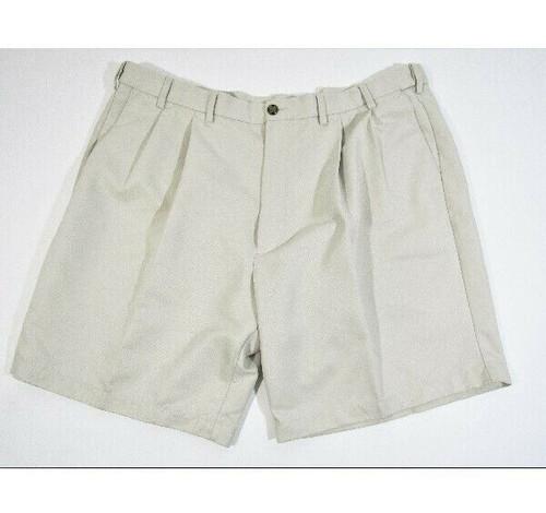 Roundtree & Yorke Men's Pleated Khaki Shorts Size 44