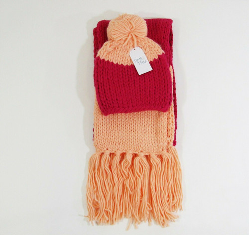 Time & Tru Women's Multicolor Knit Scarf & Beanie Set, One Size **NEW WITH TAGS*
