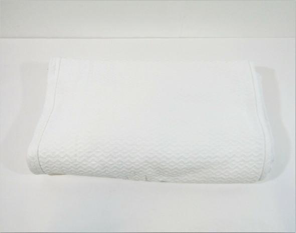 Pottery Barn Diamond Organic Blanket, King/Cal. King, White 108x98 **THREAD PULL