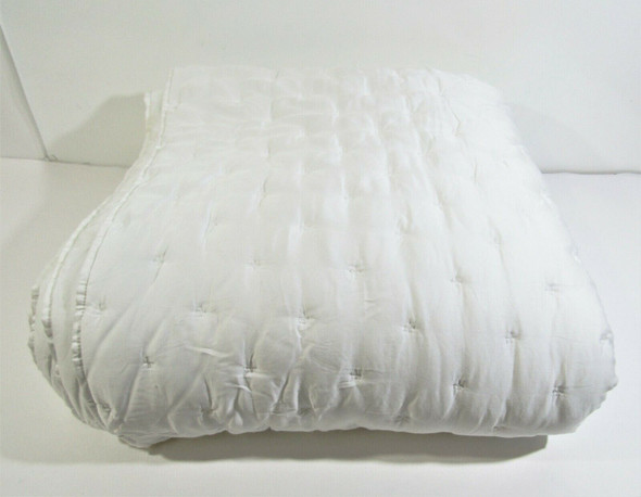 """Pottery Barn Full/Queen White Textured Comforter 92"""" x 88"""" **HAS STAINS**"""