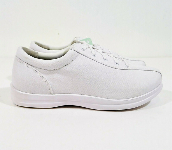 Apex Women's White Canvas Ellen Lace Up Active Shoes Size 10 Wide- NEW WITH TAGS