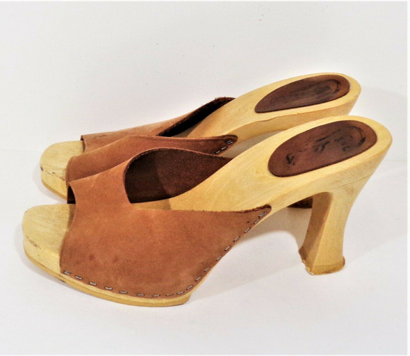 Candie's Brown Suede & Wood Chunky Heels Women's Size 9