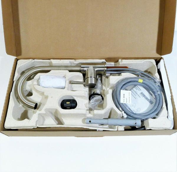 Cleveland Faucet Group 1 Handle Stainless Edgestone Faucet 46201CSL - OPEN BOX