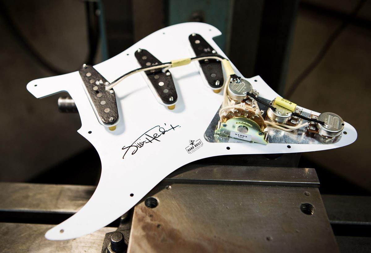 Seymour Duncan Jimi Hendrix Loaded Pickguard, Voodoo Route - white - open box