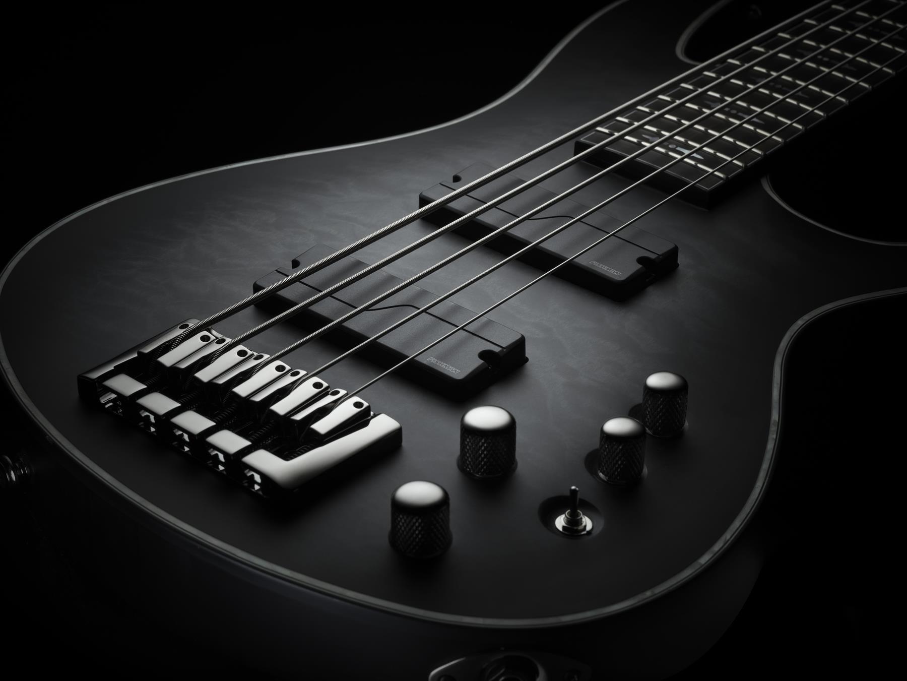 Fishman Fluence Bass 4-String String Soapbar Pickup Set & Preamp - black