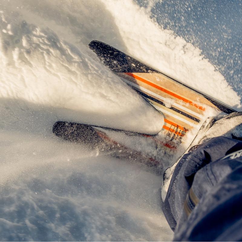 Bataleon Surfer LTD - Rooster tailing