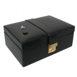 storage-case-for-the-chess-pieces.jpg