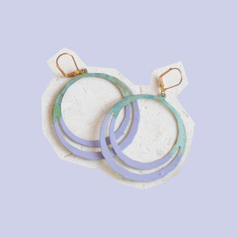 WE DREAM IN COLOUR lilac anja earrings