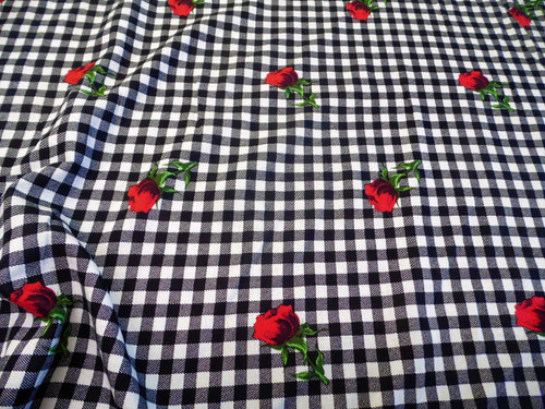 Discount Fabric Challis Rayon Apparel Black White Check Red Rose Floral G208