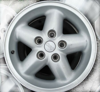 Jeep Wrangler Grizzly Rim - Lt Gray