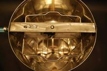 Inside 2 Frame Stainless Steel Drum Honey Extractor