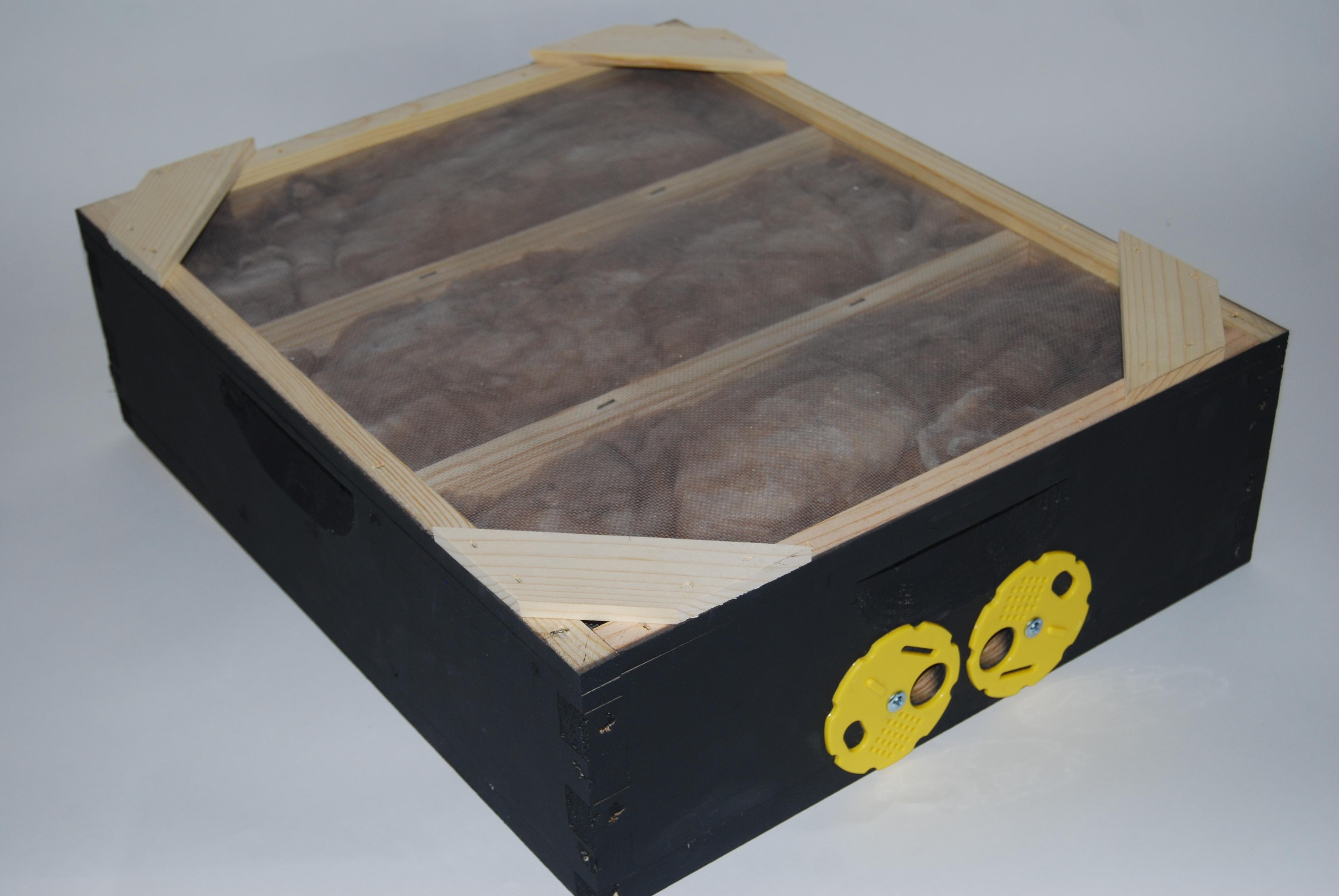 Inside Overwintering Insulation Heater Box