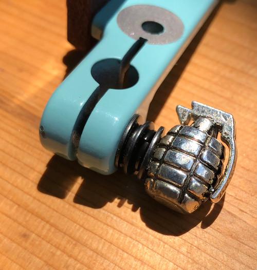 Grenade Thumb Screw