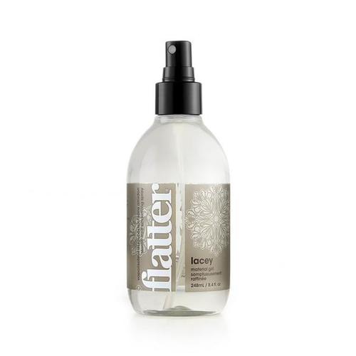 Soak Flatter Spray