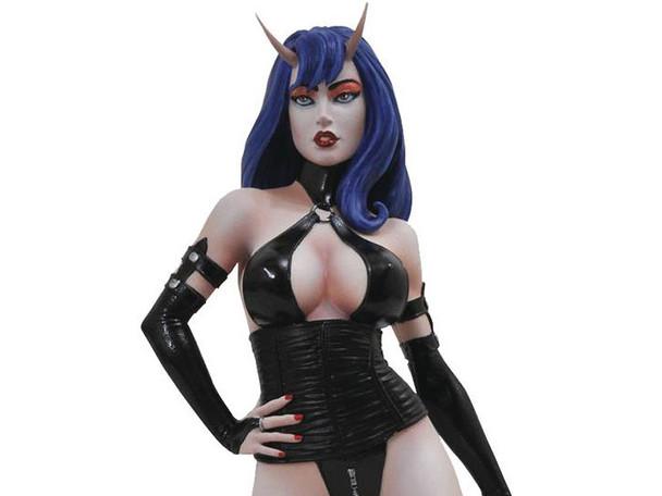 Pre -Order Femme Fatales PVC Statues - PVC Sinful Suzie