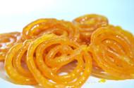 What is Jilebi or Jalebi ? - Delicious indian sweet & dessert