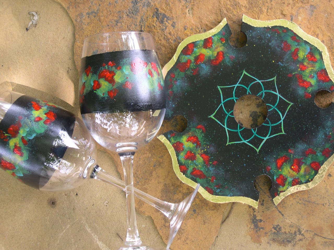 Geraniums Wine Topper and Glasses packet - Patricia Rawlinson