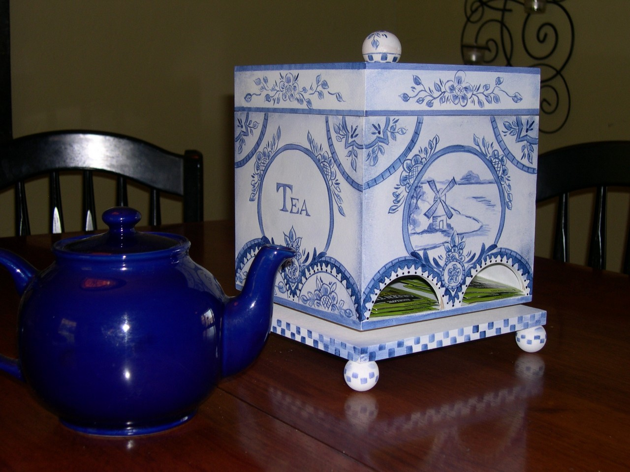 Blue Delft Tea Caddy DVD & Pattern Packet - Patricia Rawlinson