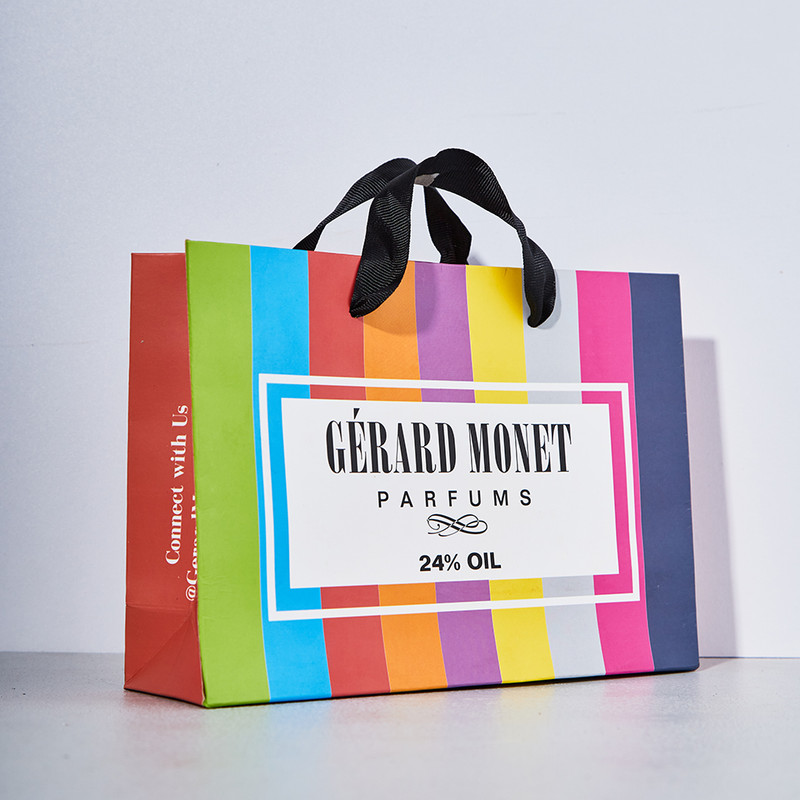 Gerard Monet Gift Bag: Gift Wrapping for your perfume just got easier with this extravagant bag!