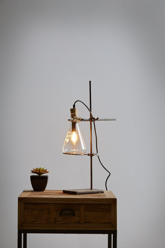 A unique lamp for the chemistry and laboratory lovers
