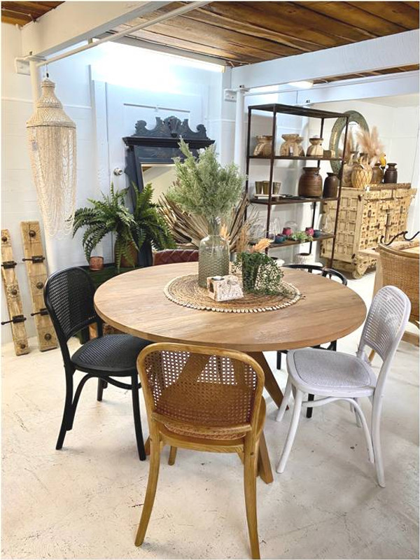Our Rattan dining chair is supremely comfortable and stylish and would suit most styles of decor, from Beachside contemporary, Hamptons, French Farmhouse and Country. Lifestyle