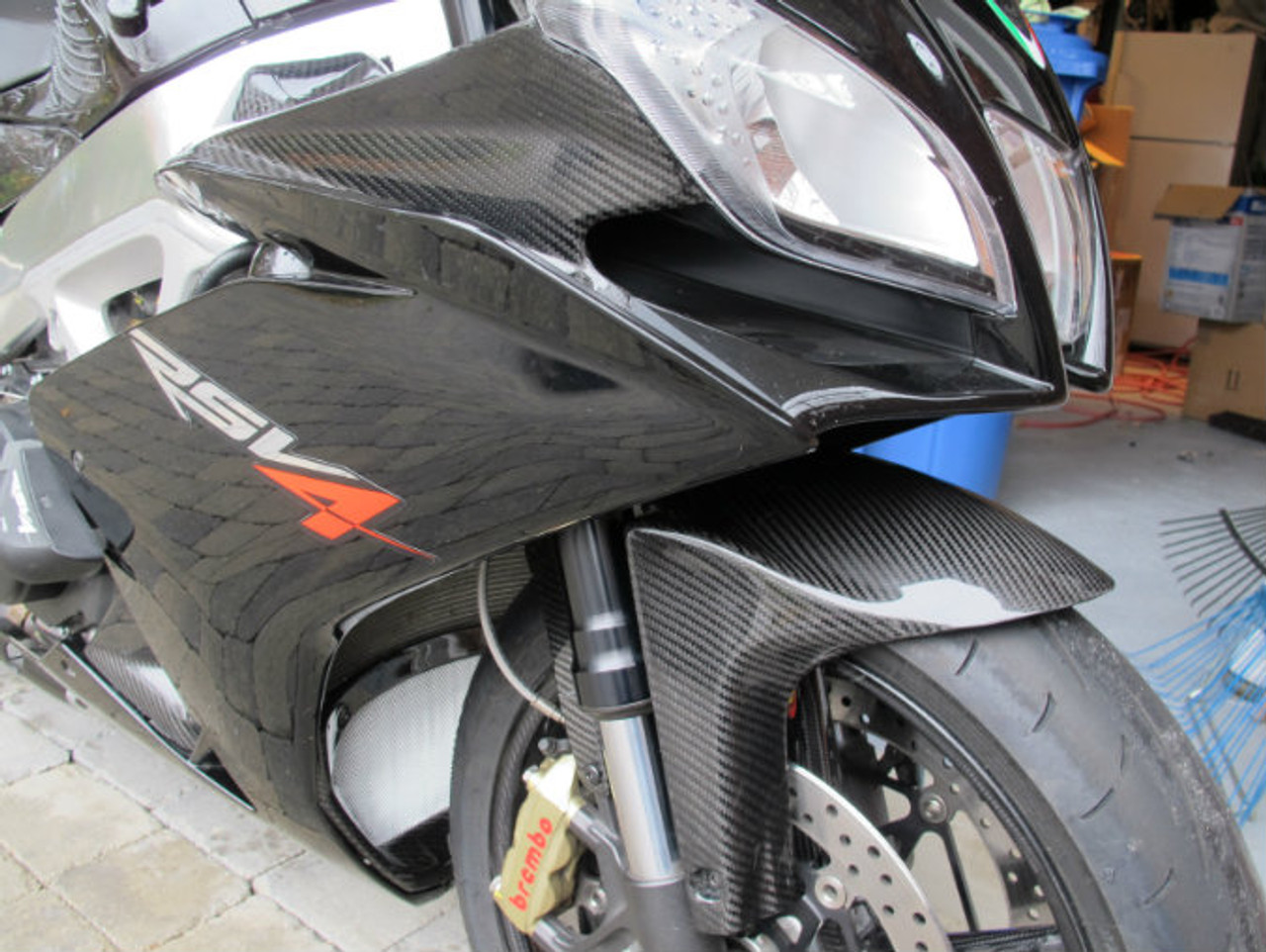 Glossy Twill Weave Carbon Fiber Front Fender for Aprilia RSV4 2009+, Tuono V4 2011+ installed