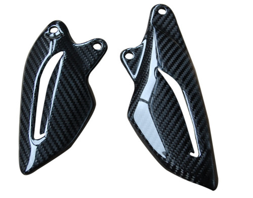 Heel Plates in Glossy Twill Weave Carbon Fiber for Triumph Street Triple 2013-2016