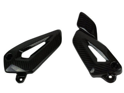 Heel Plates in Glossy Twill Weave Carbon Fiber for Triumph Tiger 800 2010+