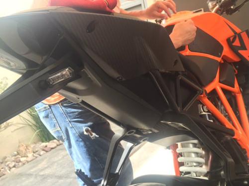 Tail Side Fairings in Matte Twill Weave Carbon Fiber for KTM 1290 Super Duke R