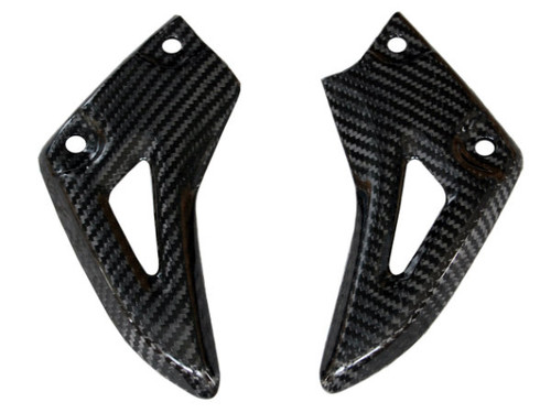 Heel Guards in Glossy Twill Weave Carbon Fiber for Triumph Speed Triple 1050 2011-2015