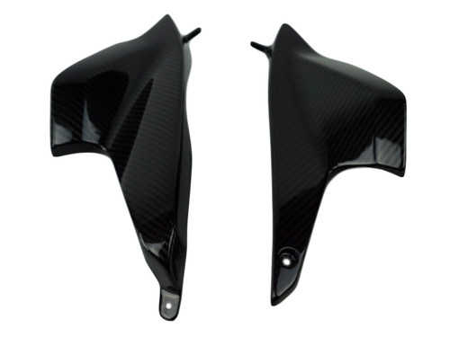 Air Duct Covers in Glossy Twill Weave Carbon Fiber for BMW R1200R 2011-2014