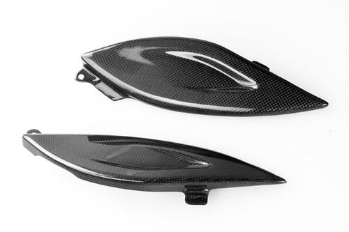 Under Tank Panels in Glossy Plain Weave Carbon Fiber for Yamaha TDM 900 2001-2010