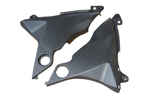 Side Panels in Matte Twill Weave Carbon Fiber for Kawasaki Z800