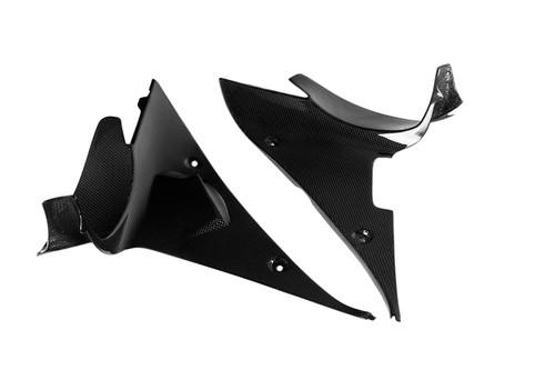 Inner Radiator Covers in Glossy Plain Weave Carbon Fiber for Triumph Daytona 675 2013+