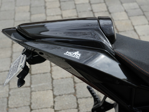Seat Cover W/ Pad in Glossy Plain Weave Carbon Fiber for KTM 1290 Super Duke R