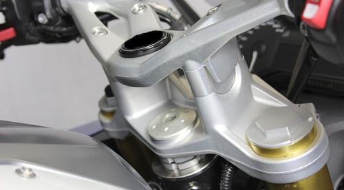Handlebar Riser kit move bars up 25mm for BMW R1200R 2015+ & R1200RS