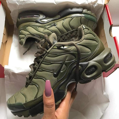 best sneakers 3ebbe df98a Olive Green Air Max Plus ( GS AND MEN SIZES )