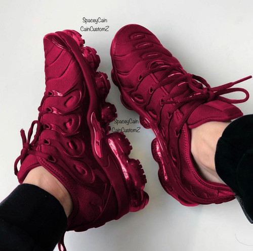 Maroon metallic vapor max plus ( GS AND MEN SIZES ) ( only 5 pair made )