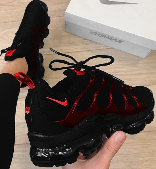 Black Red Metallic Vapor Max Plus ( GS AND MEN SIZES )