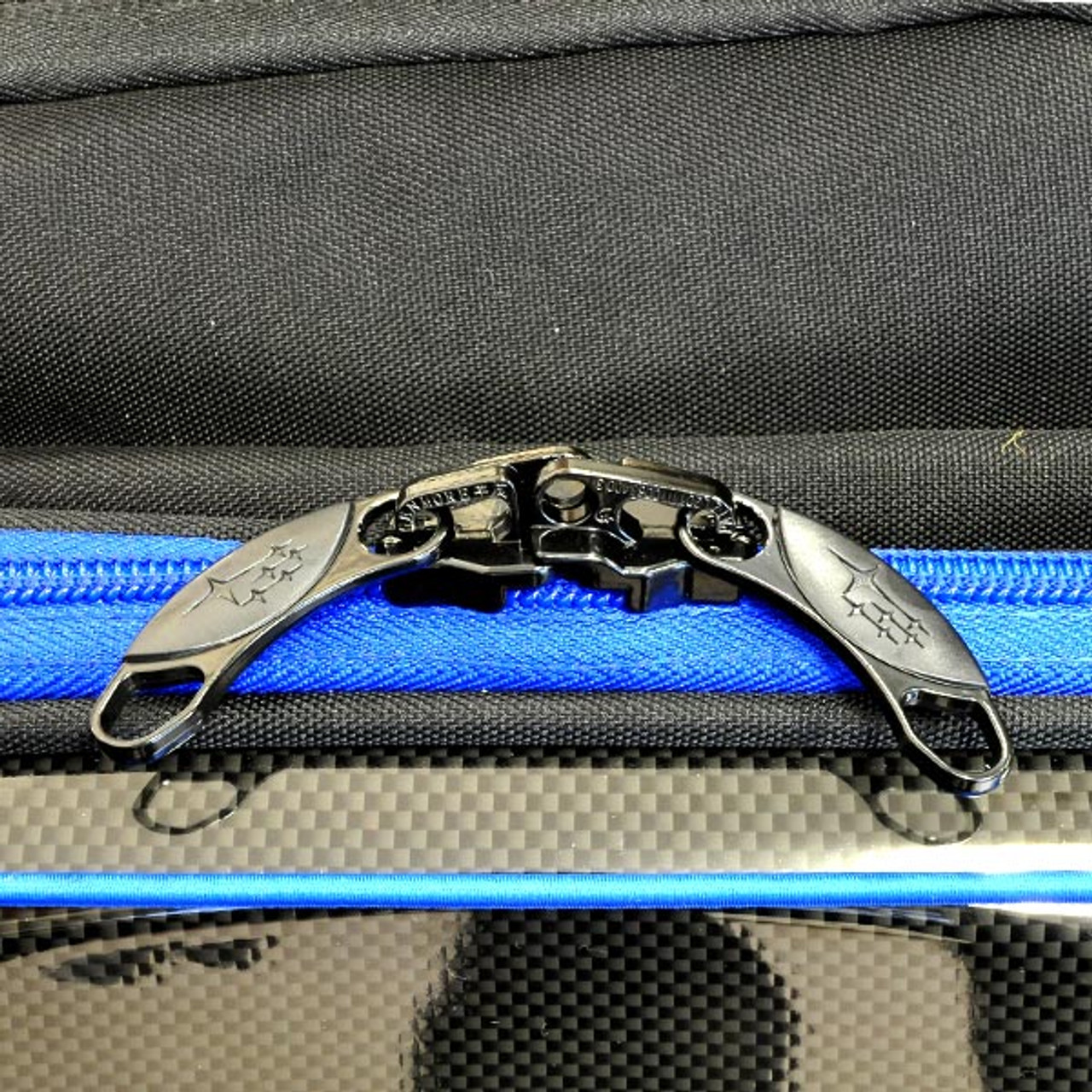 Subaru 3 Way Carry Case zipper detail at AVOJDM.com