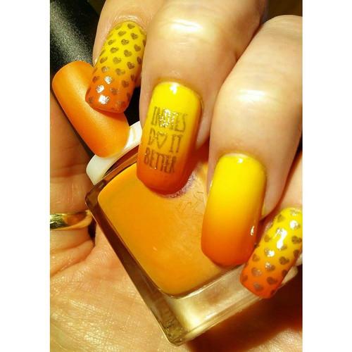 Orange to Yellow Thermochromic Pigment