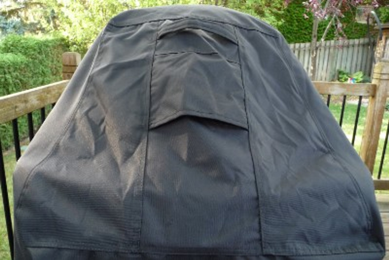 Tundra Grill Cover air vents and handles