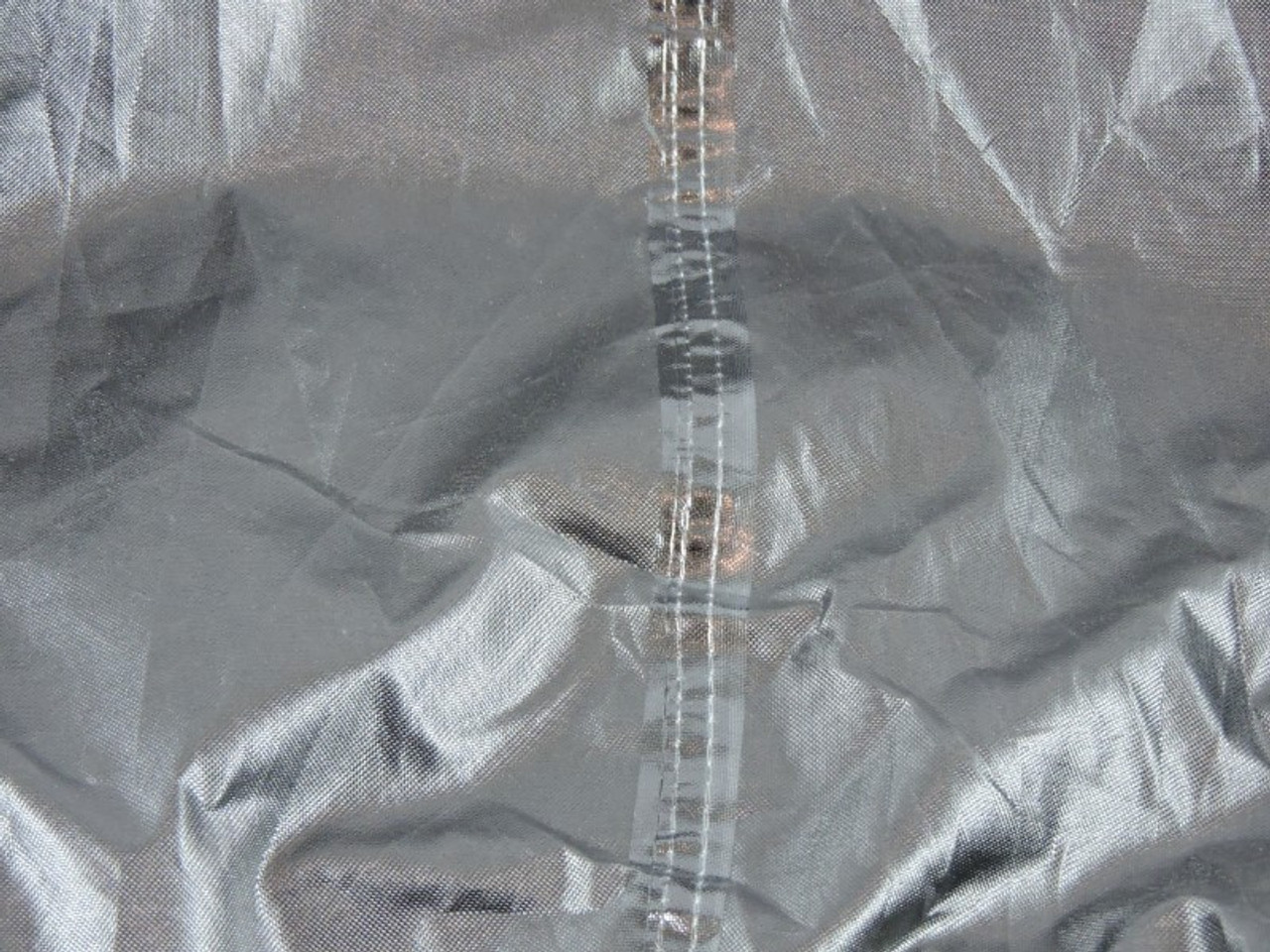 Upper fully waterproofed inner layer and taped seams extra sureness from water seepage.