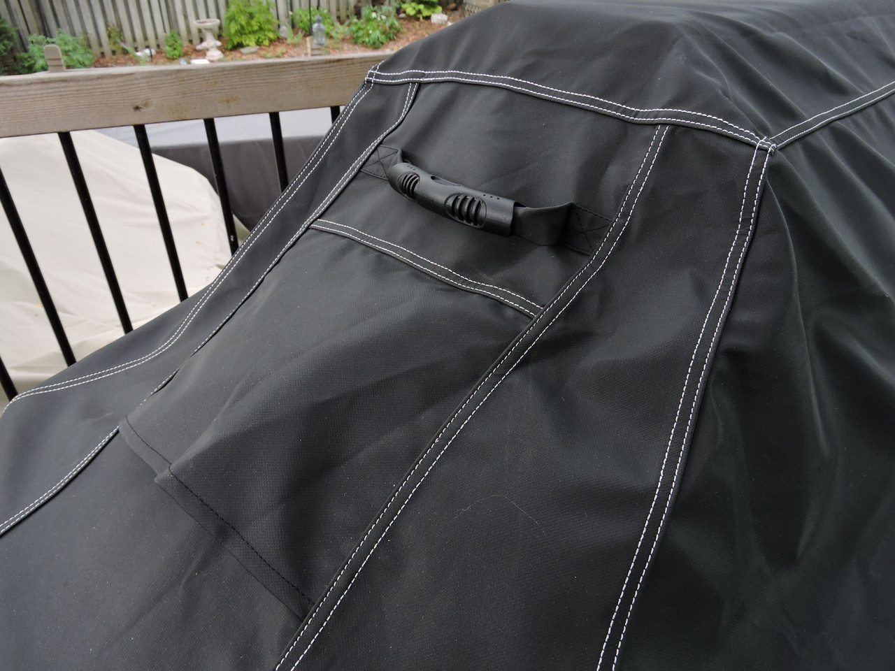 Tundra Supreme Grill Cover; Easy grip rubber handles and critical air vents